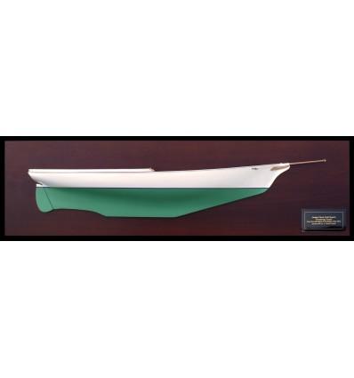 Ticonderoga half hull model built by Abordage