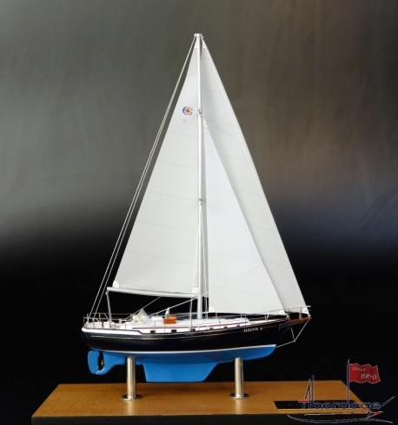 Gozzard 41 desk model