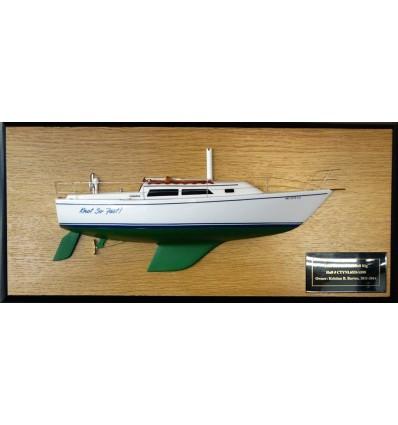 Catalina 27 half model with deck details.