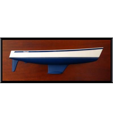 Hallberg Rassy 40 flush deck half hull