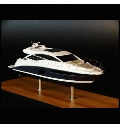 Sea Ray 590 Express desk model