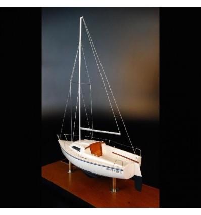 Catalina Capri 18 desk model