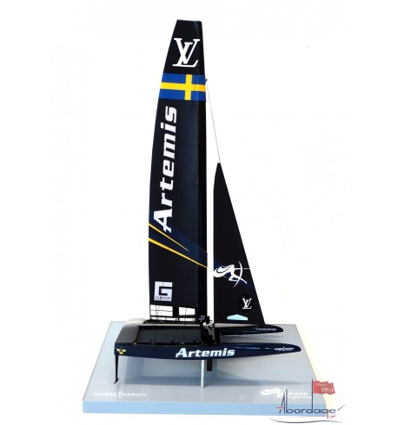 Artemis Racing - Catamaran AC 50 - desk model
