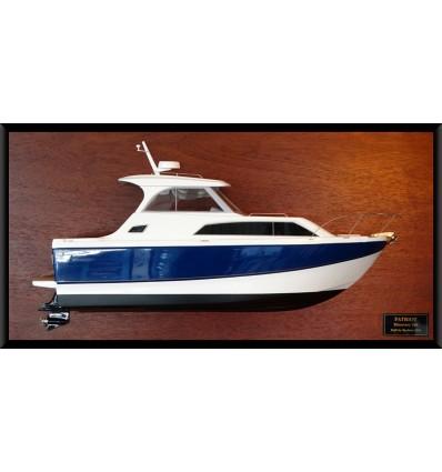 Bayliner Discovery 266 half model