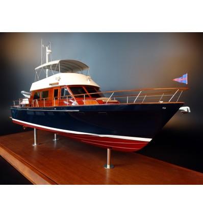 Hunt 61 Trawler custom model