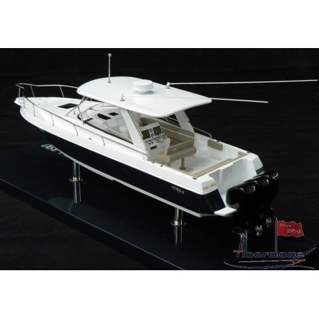 Intrepid 390 Model built by Abordage