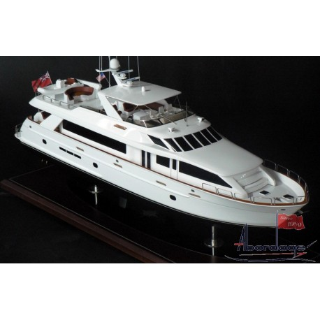 Hatteras 100 Motor Yacht model built by Abordage
