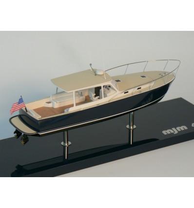 MJM 40z desk model built by Abordage