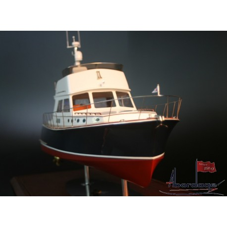 VICEM 52 CLASSIC FLYBRIDGE MODEL BY ABORDAGE