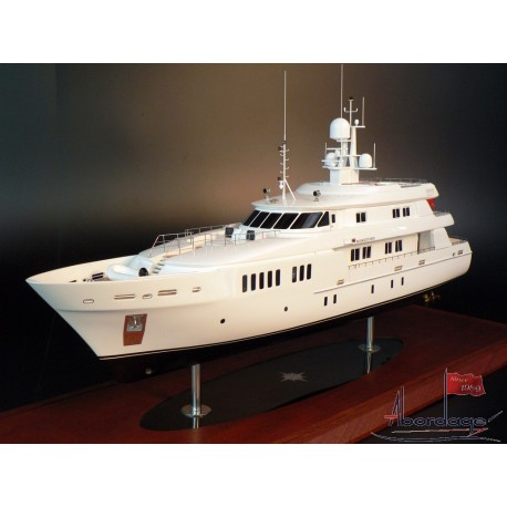 Royal Denship 138 boat model by Abordage