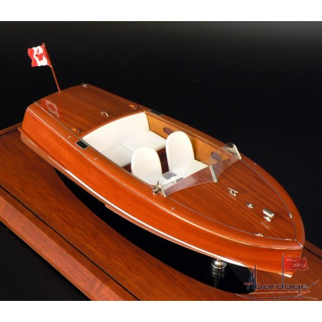 Shepherd 17' Runabout model built by Abordage