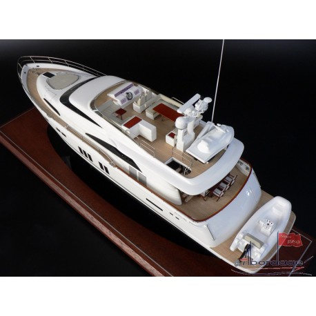 FAIRLINE 78 BOAT MODEL BUILT BY ABORDAGE