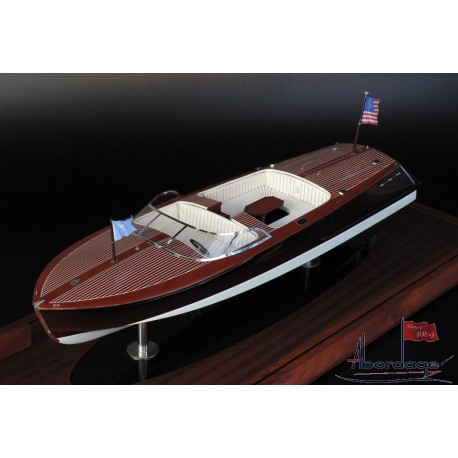 27' Tommy Bahama edition Hacker-Craft boat model by Abordage