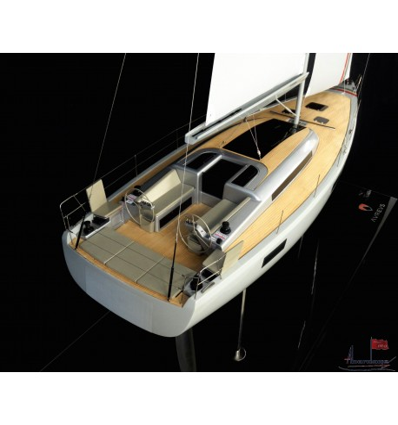 Aureus XV custom model built by Abordage
