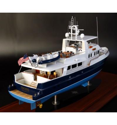 Palmer Johnson 90 custom model by Abordage