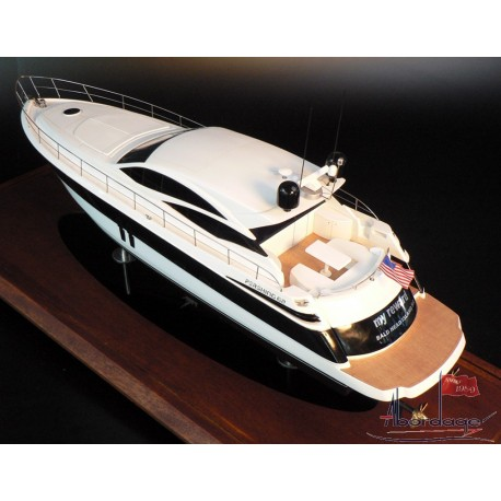 PERSHING 62 boat model built by Abordage