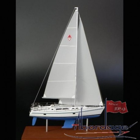 Catalina 400 desk model