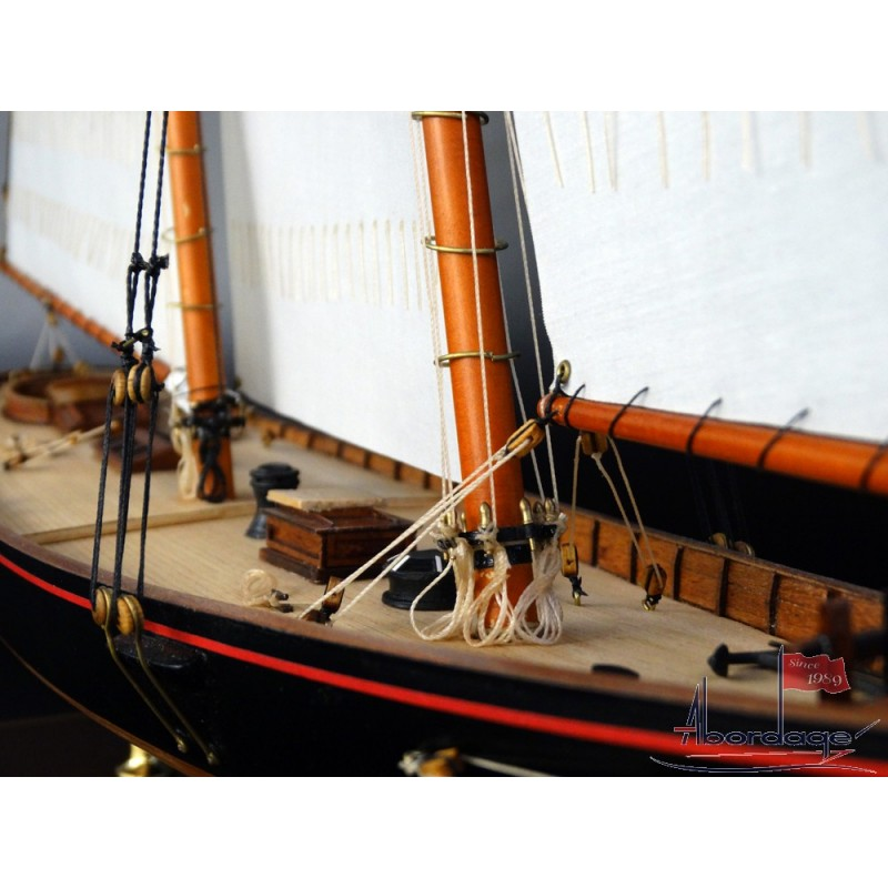 America 1851 Schooner Model Ship With Sails Collectible