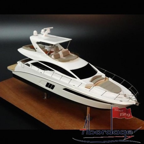 Sea Ray 590 Flybridge desk model