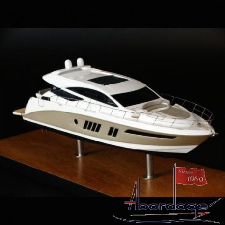 Sea Ray 650 Express desk model