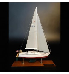 Albin 28 desk model