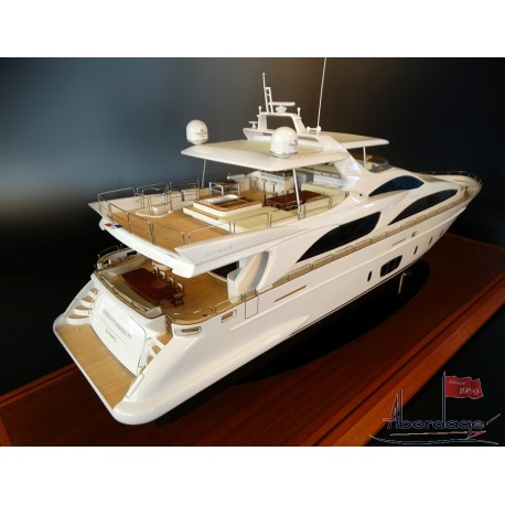 Azimut 105 custom model