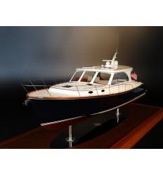 Hinckley Talaria 43 custom model