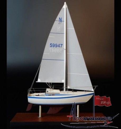 Newport 27 desk model