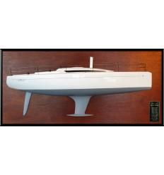 Italia Yachts 9.98 half model