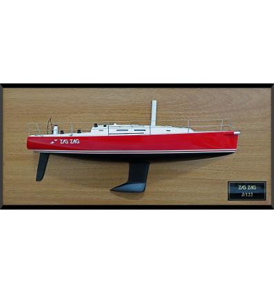 J 122 custom half model with deck details