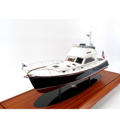 Hinckley Talaria 44 Flybridge custom model