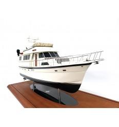 Hatteras 58 MY custom model