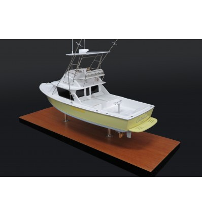 Bertram 31 custom desk model with tuna tower