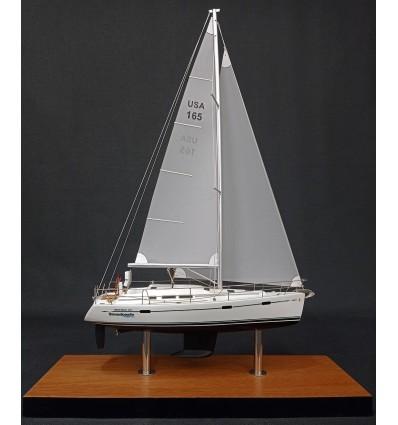 Beneteau 373 desk model