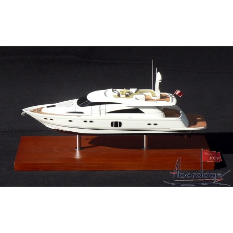 Fairline Squadron 78 Desk Model by Abordage