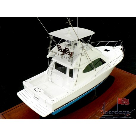 Tiara 3900 Convertible Model by Abordage